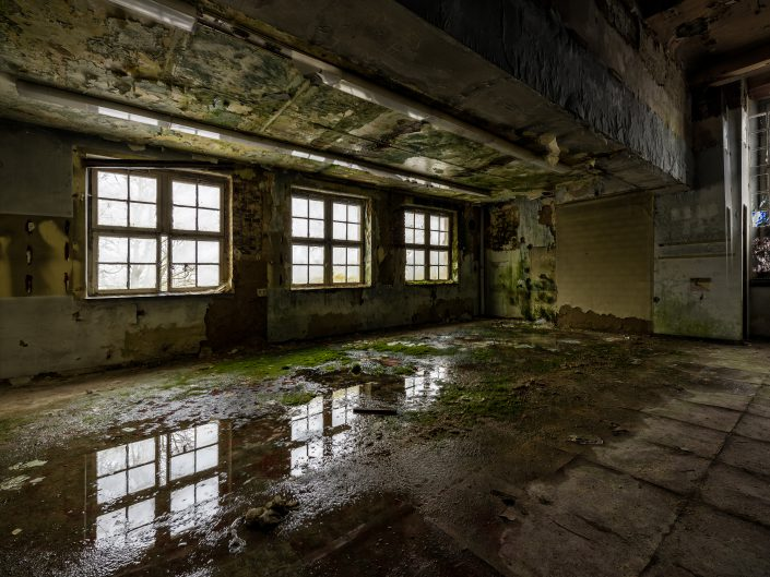 Urbex - Reflection